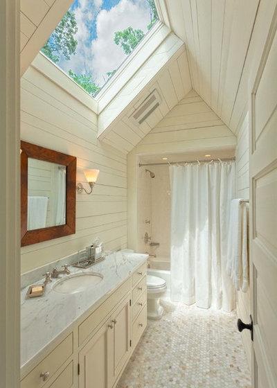 Rustic Bathroom by Platt Architecture, PA
