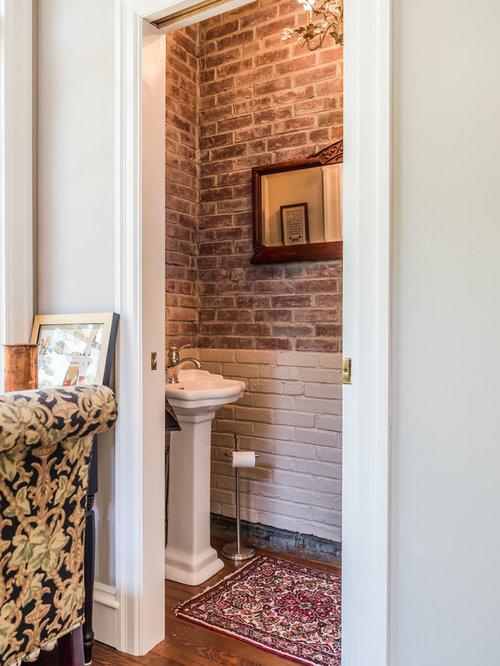 White bathroom design ideas renovations photos with red for Bathroom ideas with red walls