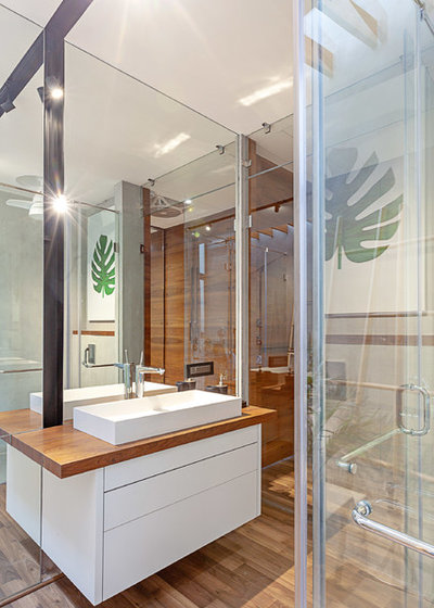 Contemporary Bathroom by Abraham John ARCHITECTS