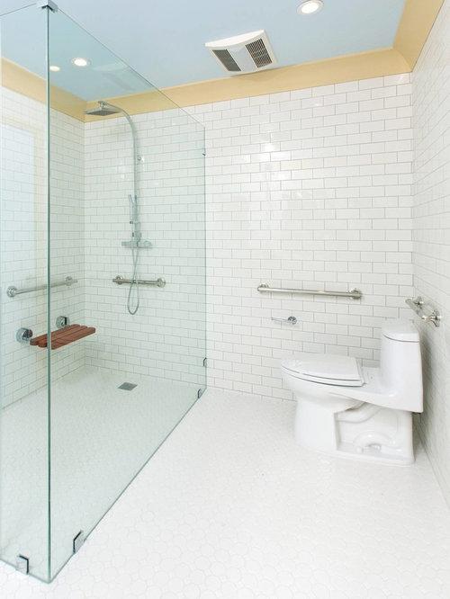 salle de bain avec une baignoire d 39 angle et une douche l 39 italienne photos et id es d co de. Black Bedroom Furniture Sets. Home Design Ideas