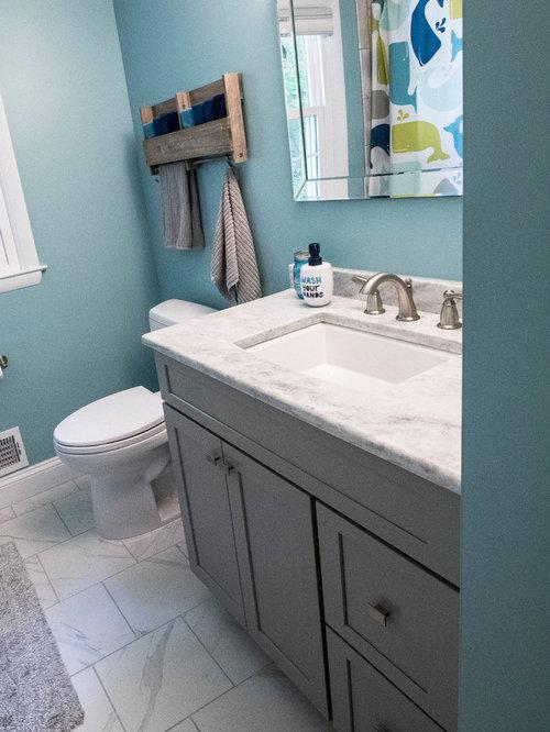 Salle de bain romantique avec un plan de toilette en quartz photos et id es - Taille moyenne salle de bain ...