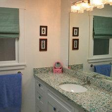 Traditional Bathroom by Tali Hardonag Architect
