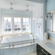 Beach Style Bathroom by CK Architects