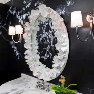 Inspiration för ett mellanstort vintage badrum med dusch, med ett undermonterad handfat, luckor med infälld panel, vita skåp, bänkskiva i kvartsit, svarta väggar och mellanmörkt trägolv