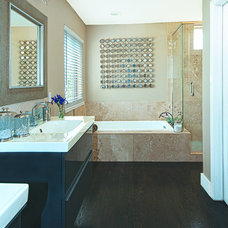 Traditional Bathroom by Oliver Designs