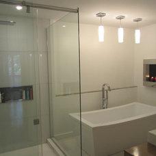 Modern Bathroom by Dwelling on Design, Deborah Derocher
