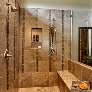 Example of a classic bathroom design in Austin with a niche