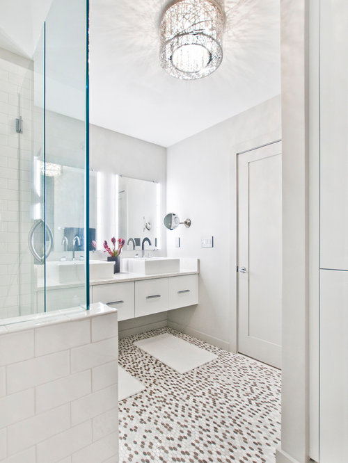 This Is An Example Of A Small Contemporary Ensuite Bathroom In Nashville With Flat Panel