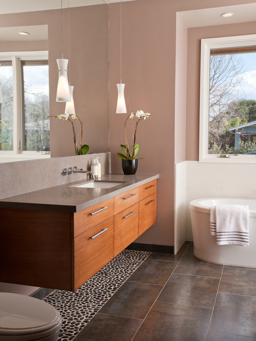 Off the floor cabinets home design ideas pictures for Bathroom remodel under 500