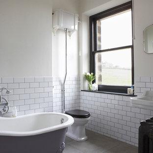 Ispirazione per una stanza da bagno vittoriana con vasca con piedi a zampa di leone