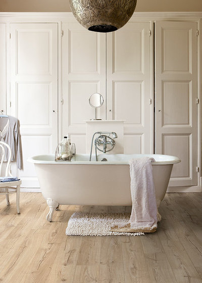 Rustic Bathroom by Quick-Step