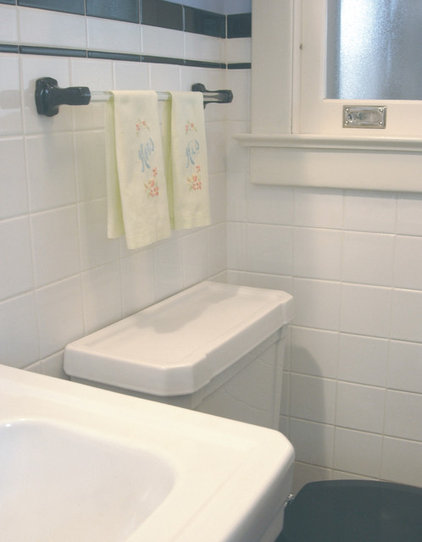 Midcentury Bathroom by DesignAnts LLC