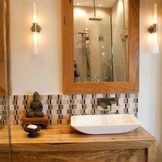 Contemporary Bathroom by Rebecca Heane