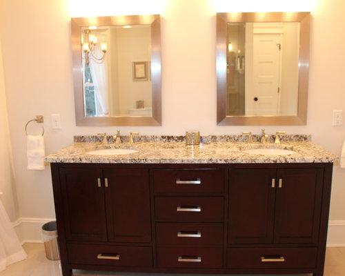 Salle de bain avec une douche double et des carreaux de for Cabine de douche avec wc et lavabo
