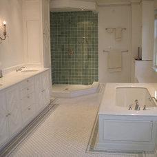 Traditional Bathroom by VALLEFUOCO Contractors, LLC
