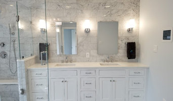 Classic white master bath in Kentlands.