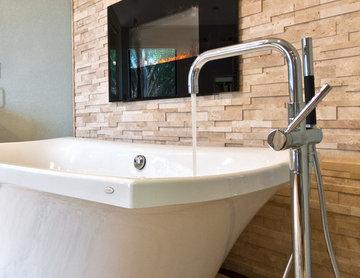 Clear Lake Spa Bath