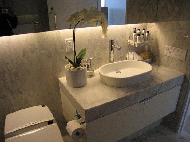Ванная комната by Selyan's Flooring & Interiors