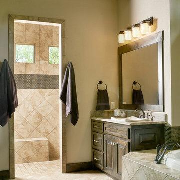 Cliff House: Master Bathroom