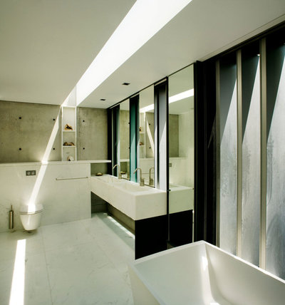 Modern Bathroom by Louise Nettleton Architects