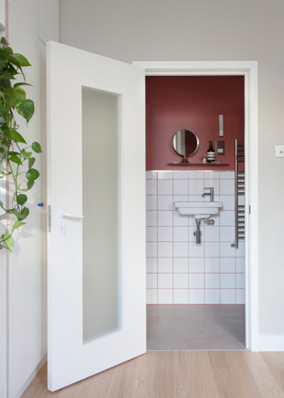 Contemporary Bathroom by nimtim Architects