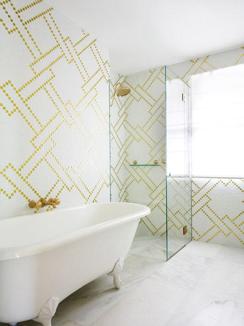 Salle de bain moderne avec une baignoire sur pieds for Salle de bain avec baignoire sur pied