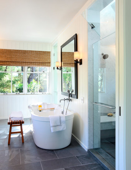 Traditional Bathroom by BAR Architects
