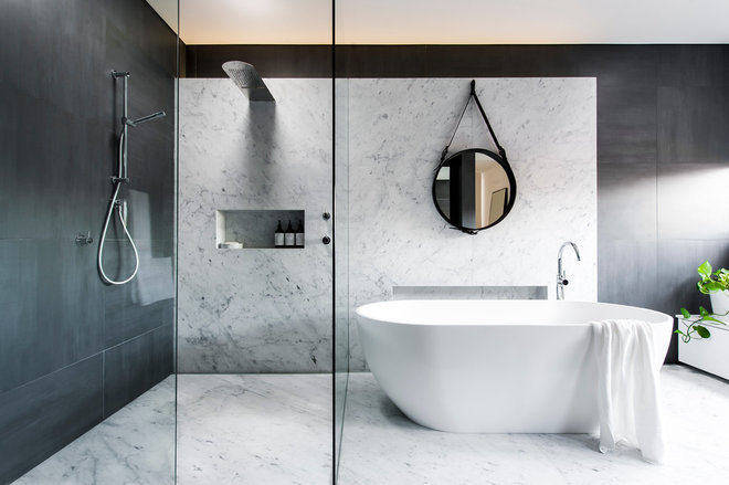 Contemporary Bathroom by MINOSA