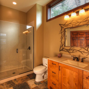 Elegant bathroom photo in St Louis