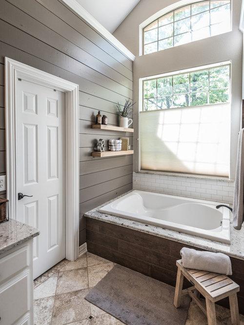 bad mit travertin im landhausstil ideen design bilder. Black Bedroom Furniture Sets. Home Design Ideas
