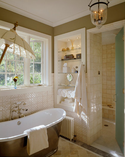 Traditional Bathroom by Priestley + Associates Architecture