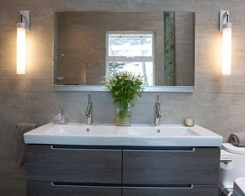 Salle de bain avec un sol en galet et un bidet photos et id es d co de sall - Taille moyenne salle de bain ...
