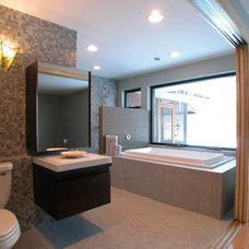 Contemporary Bathroom by Arlene Warda, Architecture+Interior Design