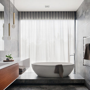 Inspiration for a contemporary bathroom in Melbourne.