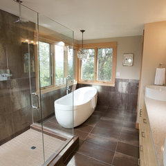 contemporary bathroom by 2fORM Architecture