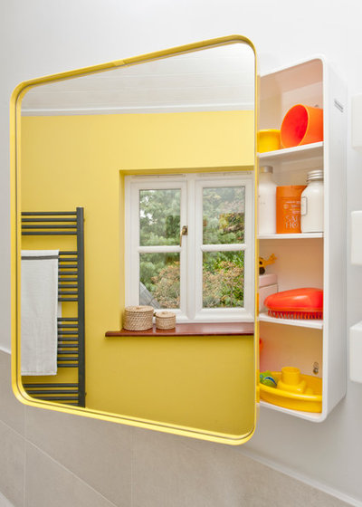 Room of the Day: A Sunny Bathroom for Twins