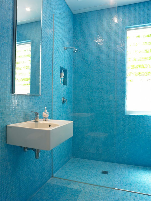 Simple Bathrooms Are An Ideal Spot To Incorporate Tile Into Your Home Moisture And Steam Requires Flooring That Wont Warp And Can Resist Mold And Mildew Here Are A Few Bathroom Design Ideas And A Brief Overview Of Tiling Ceramic And