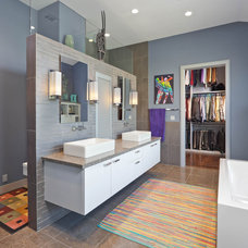 Contemporary Bathroom by 2Scale Architects