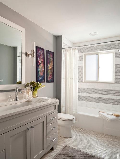 Bathroom design ideas renovations photos with green for Green and purple bathroom ideas