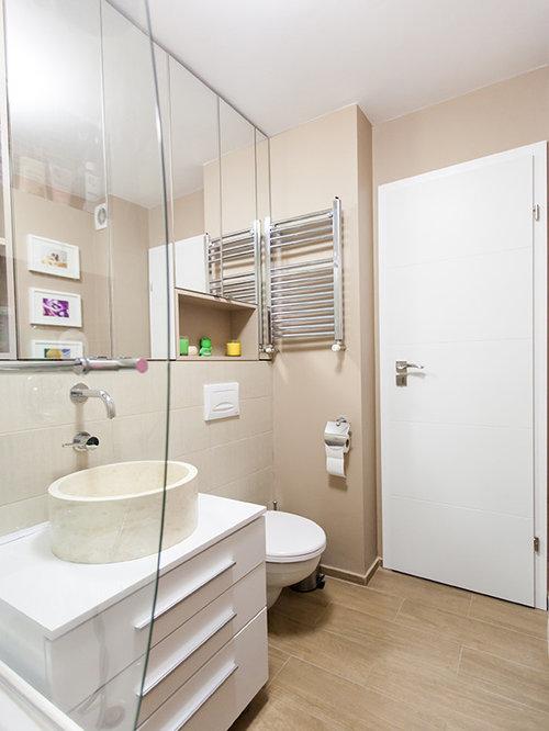 Salle de bain petit budget avec un placard porte - Porte de placard salle de bain ...