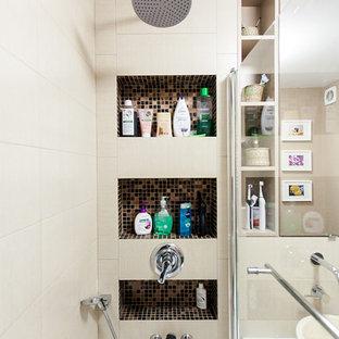 Ispirazione per una piccola stanza da bagno padronale contemporanea con lavabo a bacinella, piastrelle beige, piastrelle in ceramica e pareti beige