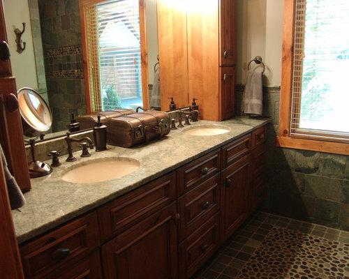 mediterrane badezimmer mit kiesel bodenfliesen design. Black Bedroom Furniture Sets. Home Design Ideas