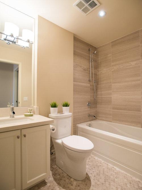 Salle de bain avec un plan de toilette en quartz et un wc for Salle de bain avec wc separe
