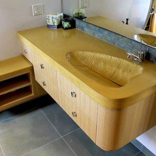 Concrete Vanity w/Leaf Sink