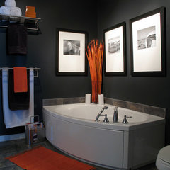 contemporary bathroom by Andre Couture Coloriste Decorateur
