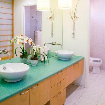 Contemporary Asian bathroom
