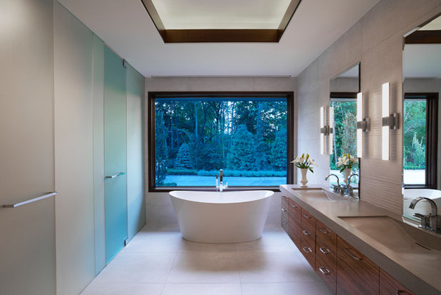 Contemporary Bathroom by Tutto Interiors