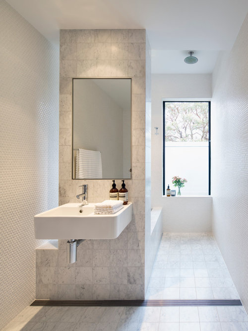 Small ensuite bathroom home design ideas renovations photos for Modern small ensuite