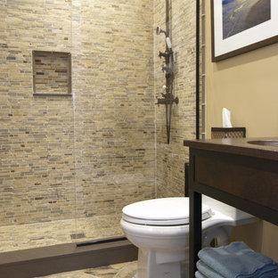 Imagen de cuarto de baño actual con baldosas y/o azulejos de piedra