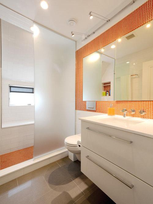 badezimmer mit unterbauwaschbecken und orangefarbenen fliesen ideen design bilder houzz. Black Bedroom Furniture Sets. Home Design Ideas